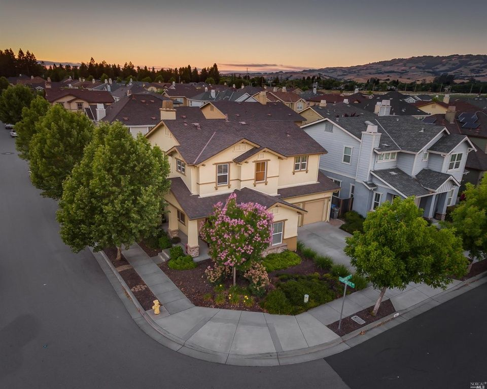 Petaluma Home, CA Real Estate Listing