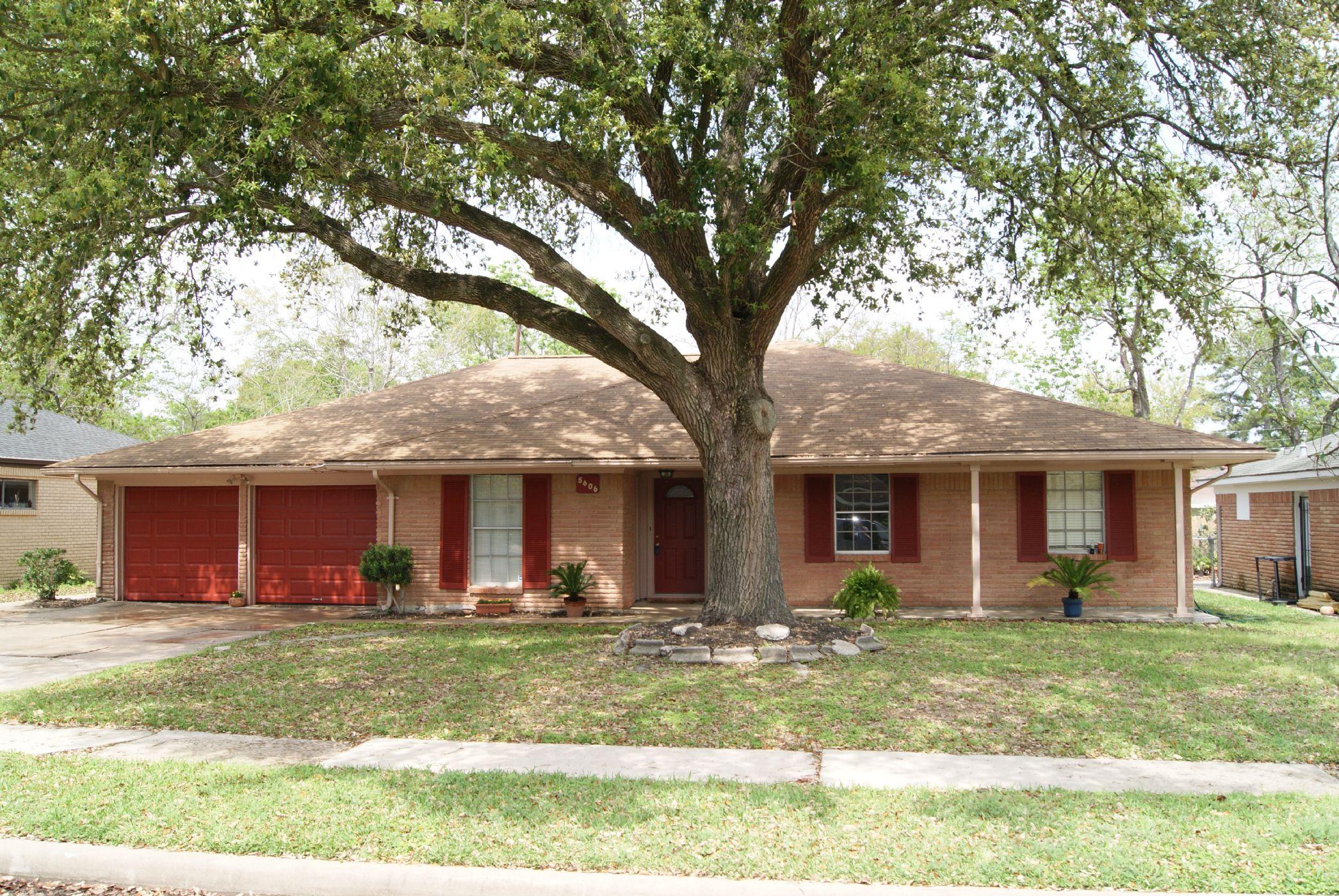 Houston Home, TX Real Estate Listing
