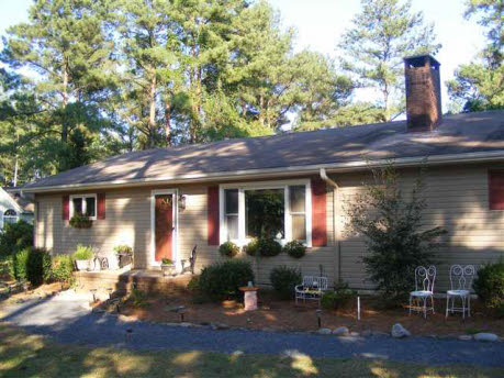 Whispering Pines Home, NC Real Estate Listing