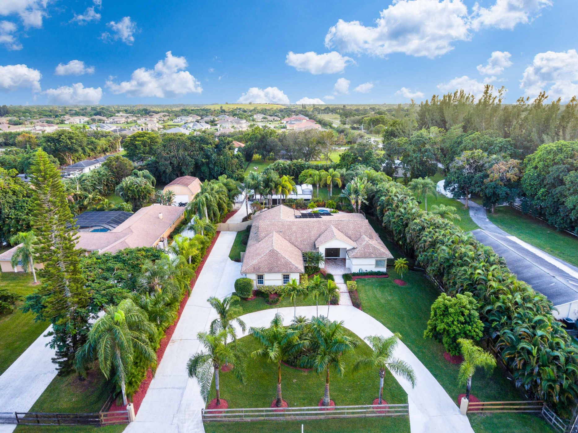 DAVIE Home, FL Real Estate Listing