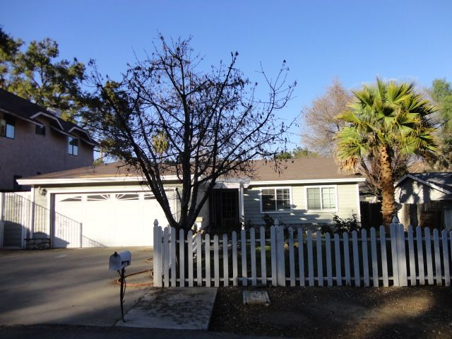 Val Verde Home, CA Real Estate Listing