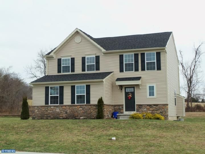 Douglassville Home, PA Real Estate Listing