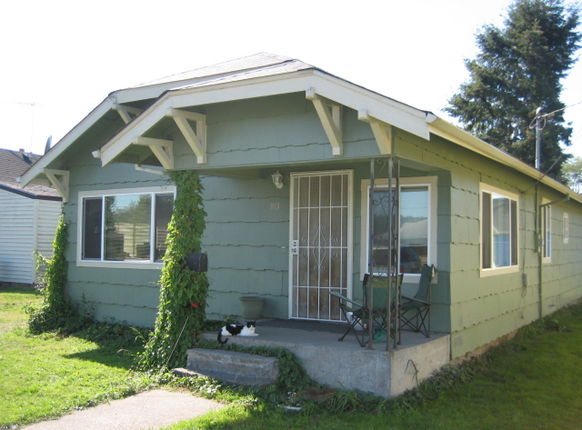 KELSO- Remodeled Bungalow- Investors/1st time buyers ALERT!!!