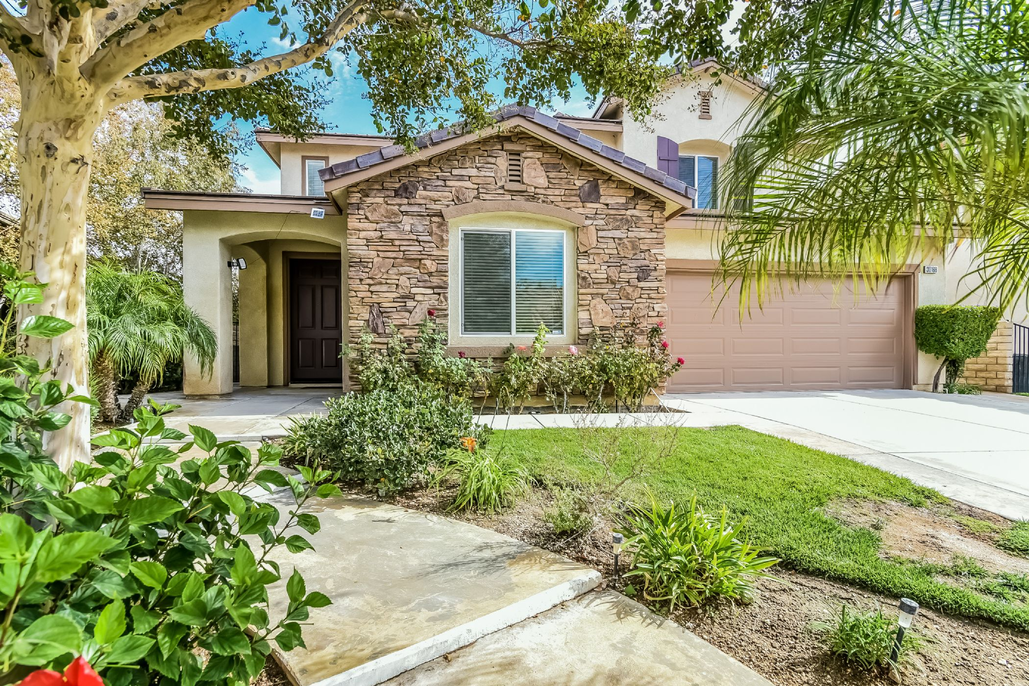 Castaic Home, CA Real Estate Listing