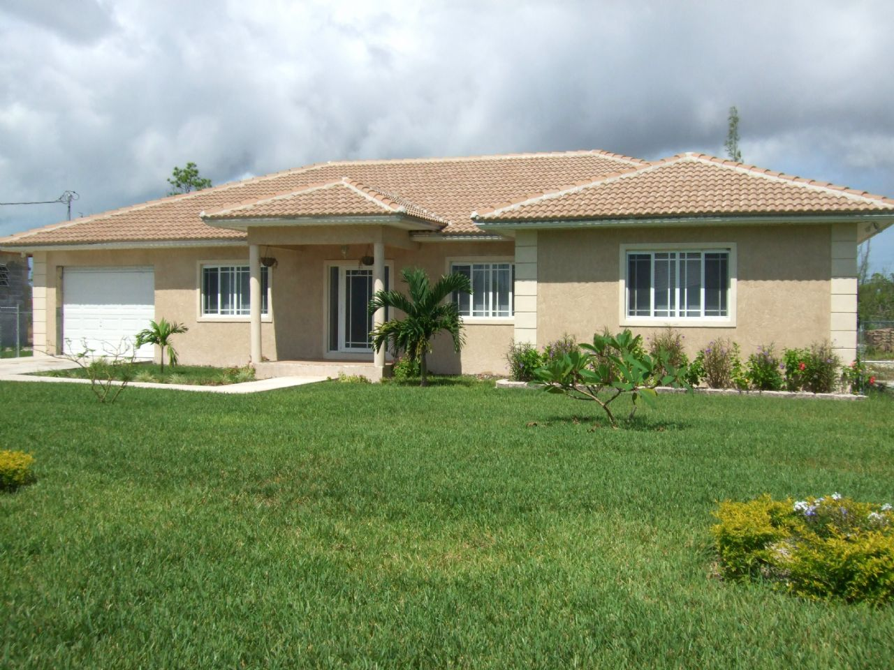 Grand Bahama Spacious Home Emerald Bay Freeport Grand