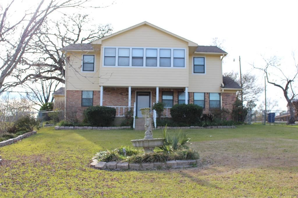 Point Blank Home, TX Real Estate Listing