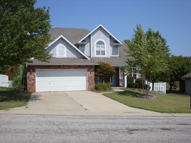 Collinsville Home, IL Real Estate Listing