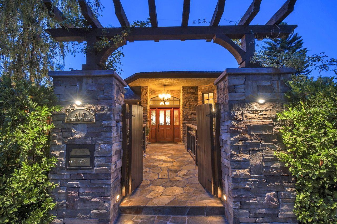 Studio City Home, CA Real Estate Listing