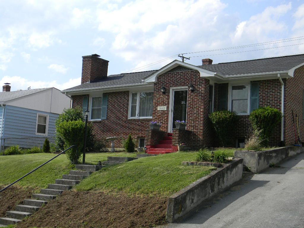 Fairlawn Home, VA Real Estate Listing