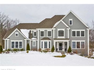 Canton Home, CT Real Estate Listing
