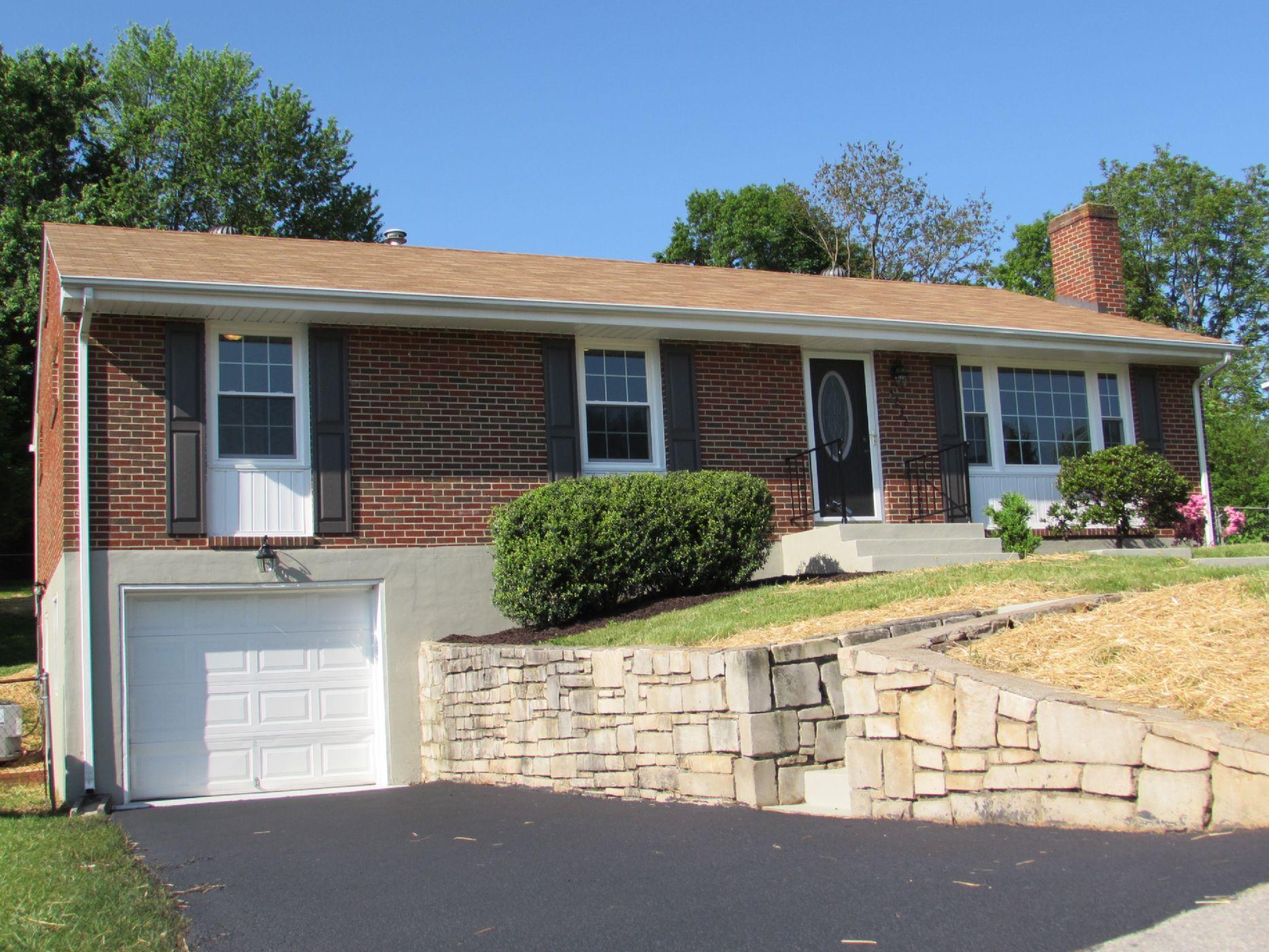 Goodview Home, VA Real Estate Listing