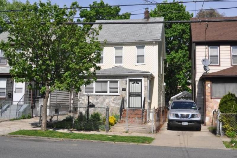 Saint Albans Home, NY Real Estate Listing