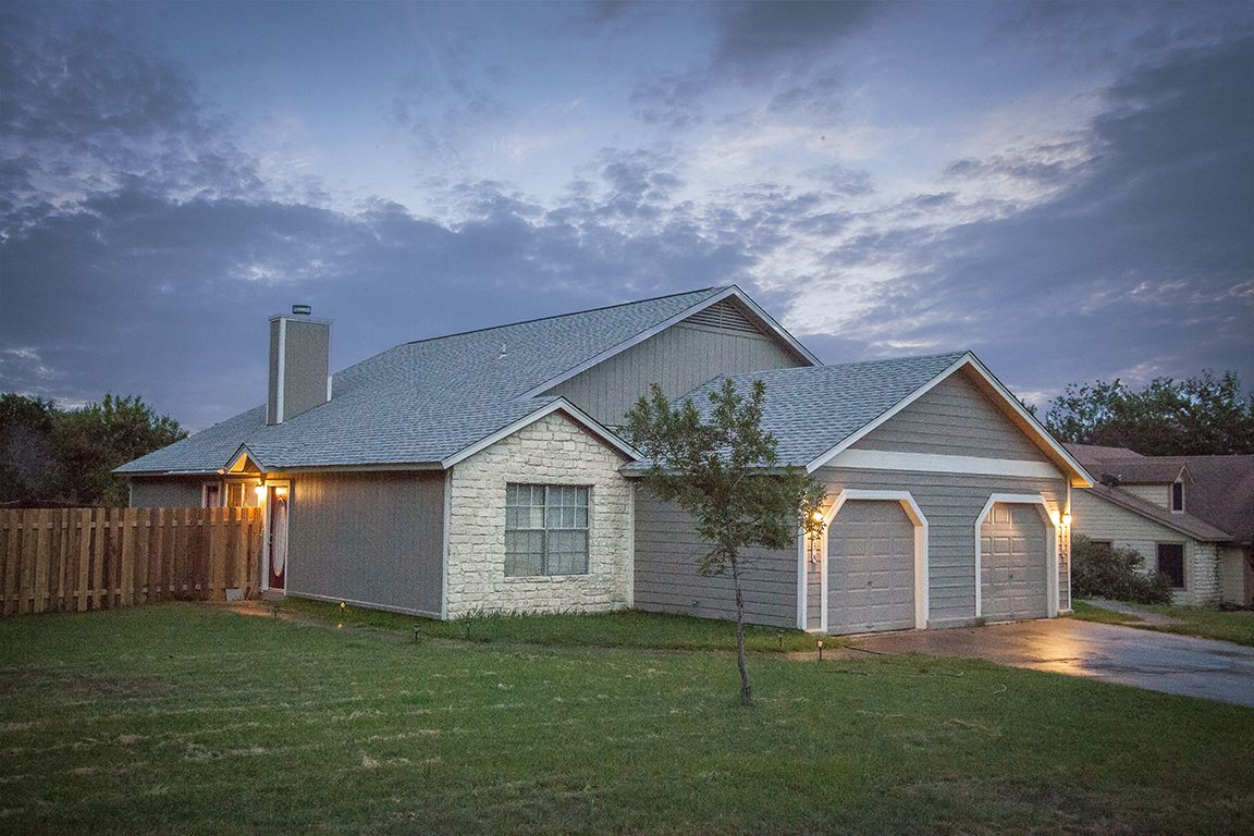 Lakeway Home, TX Real Estate Listing