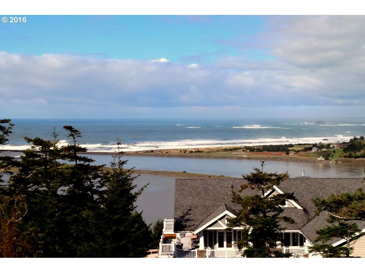 Gold Beach Home, OR Real Estate Listing