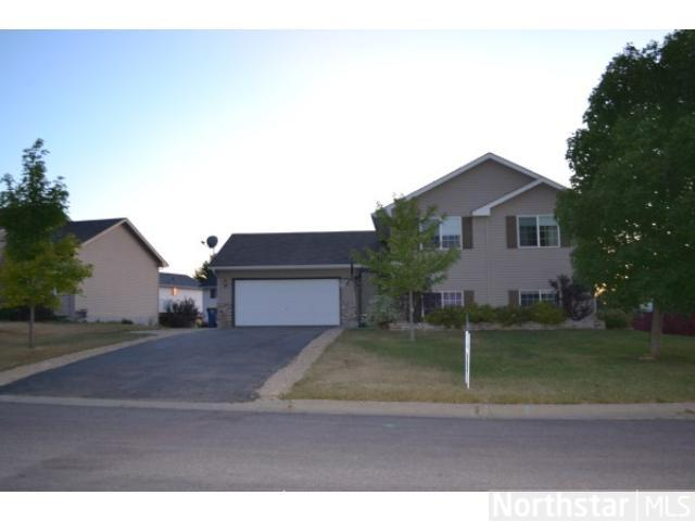 Lonsdale Home, MN Real Estate Listing
