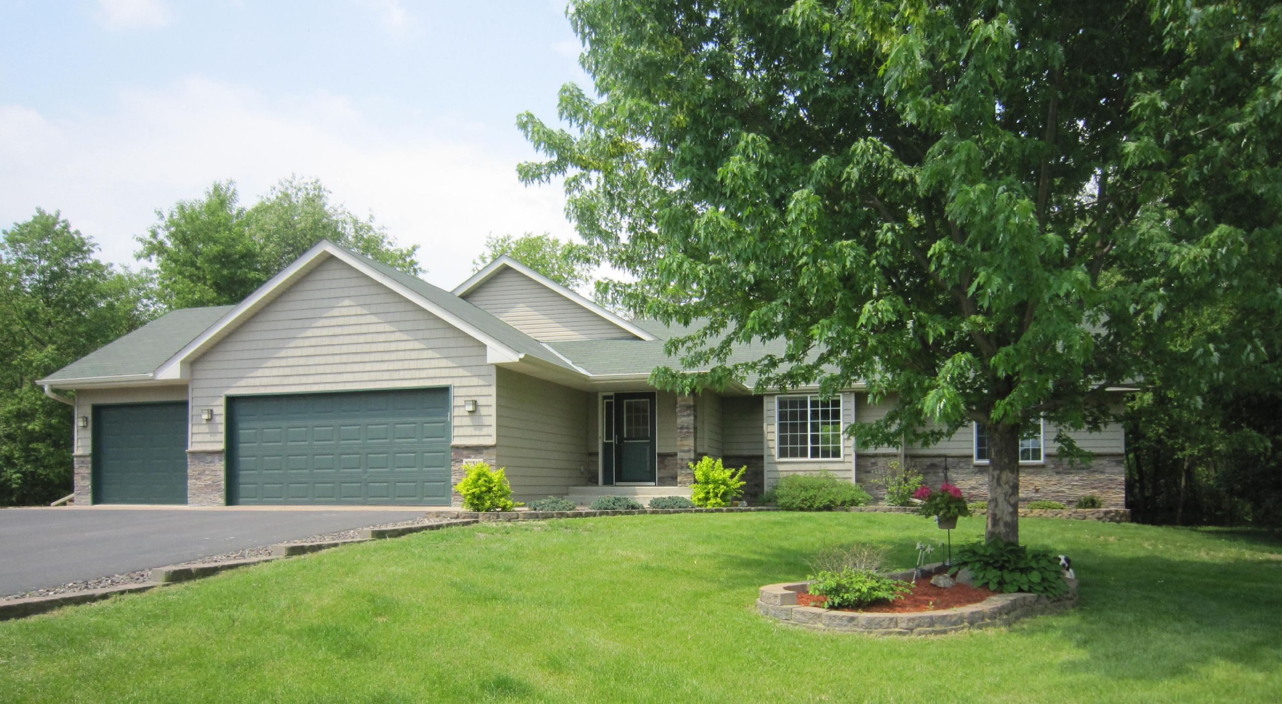 Lindstrom Home, MN Real Estate Listing