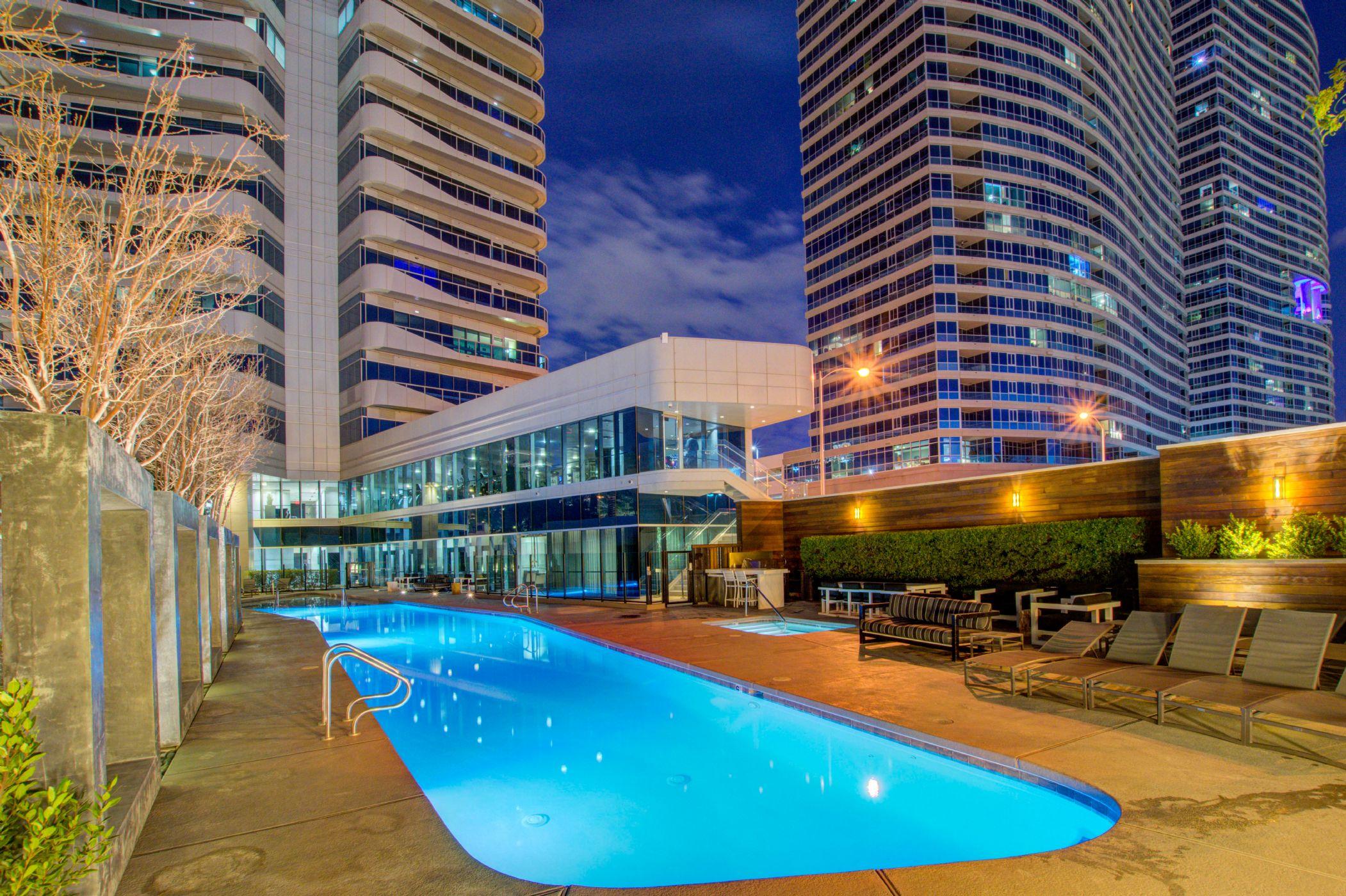 View Las Vegas Strip High Rise Condos For Sale
