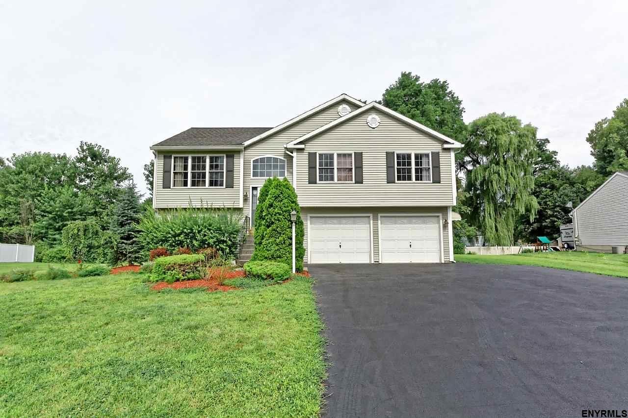 Colonie Home, NY Real Estate Listing