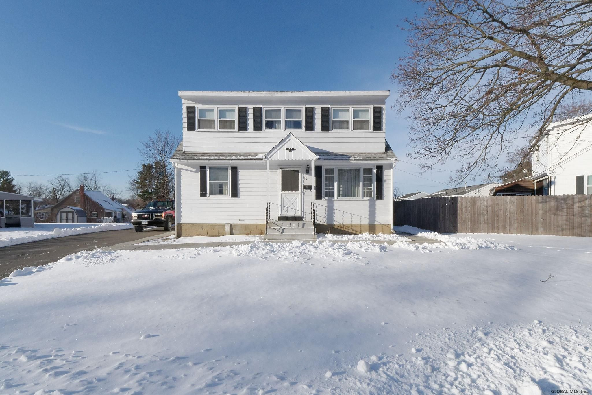 Colonie Home, NY Real Estate Listing