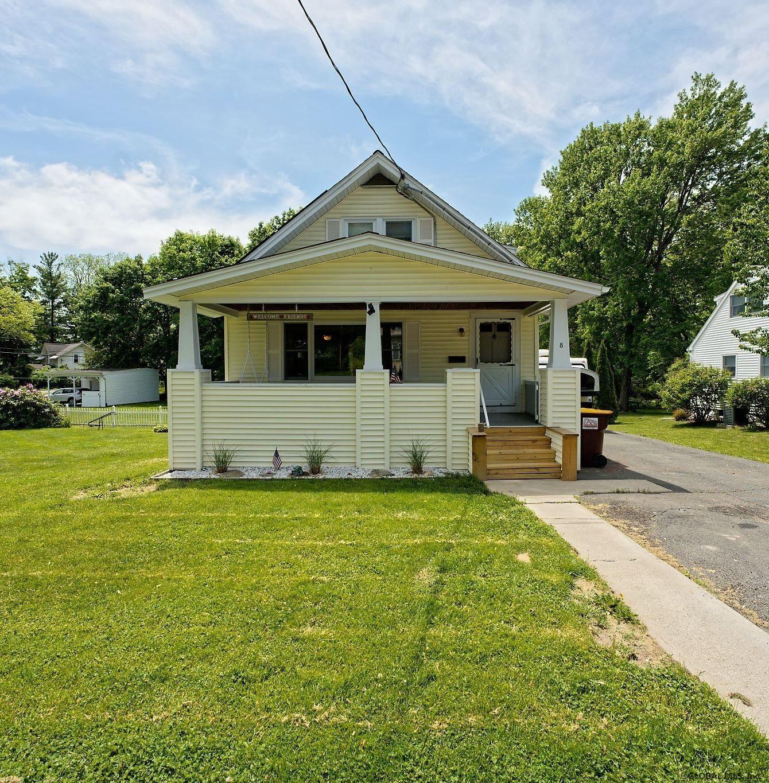 East Greenbush Home, NY Real Estate Listing