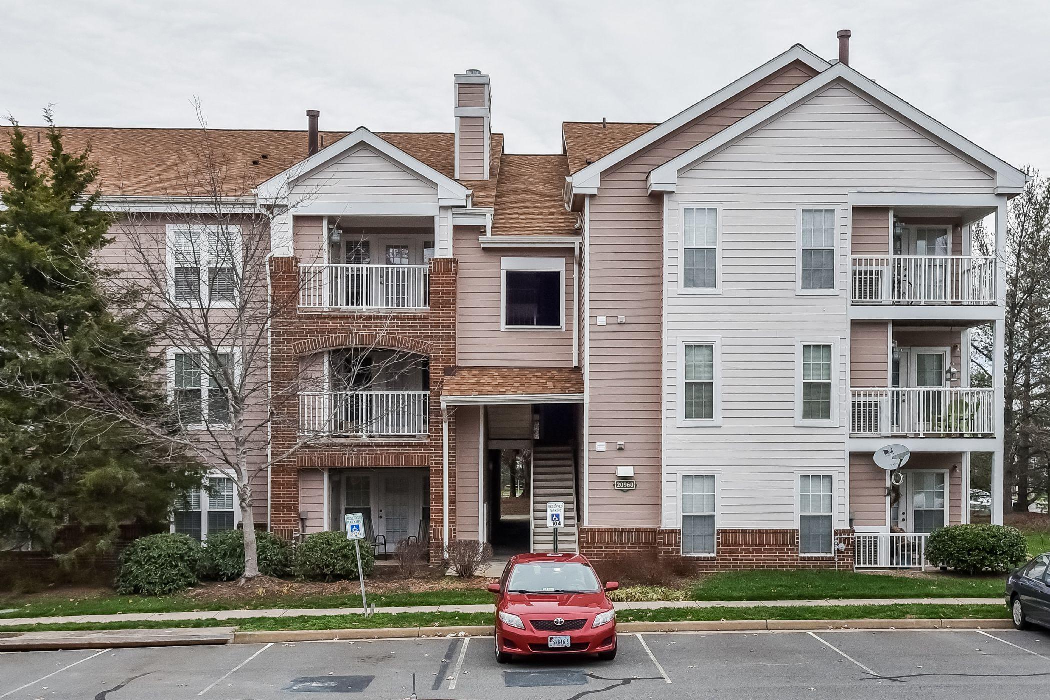 Ashburn Home, VA Real Estate Listing