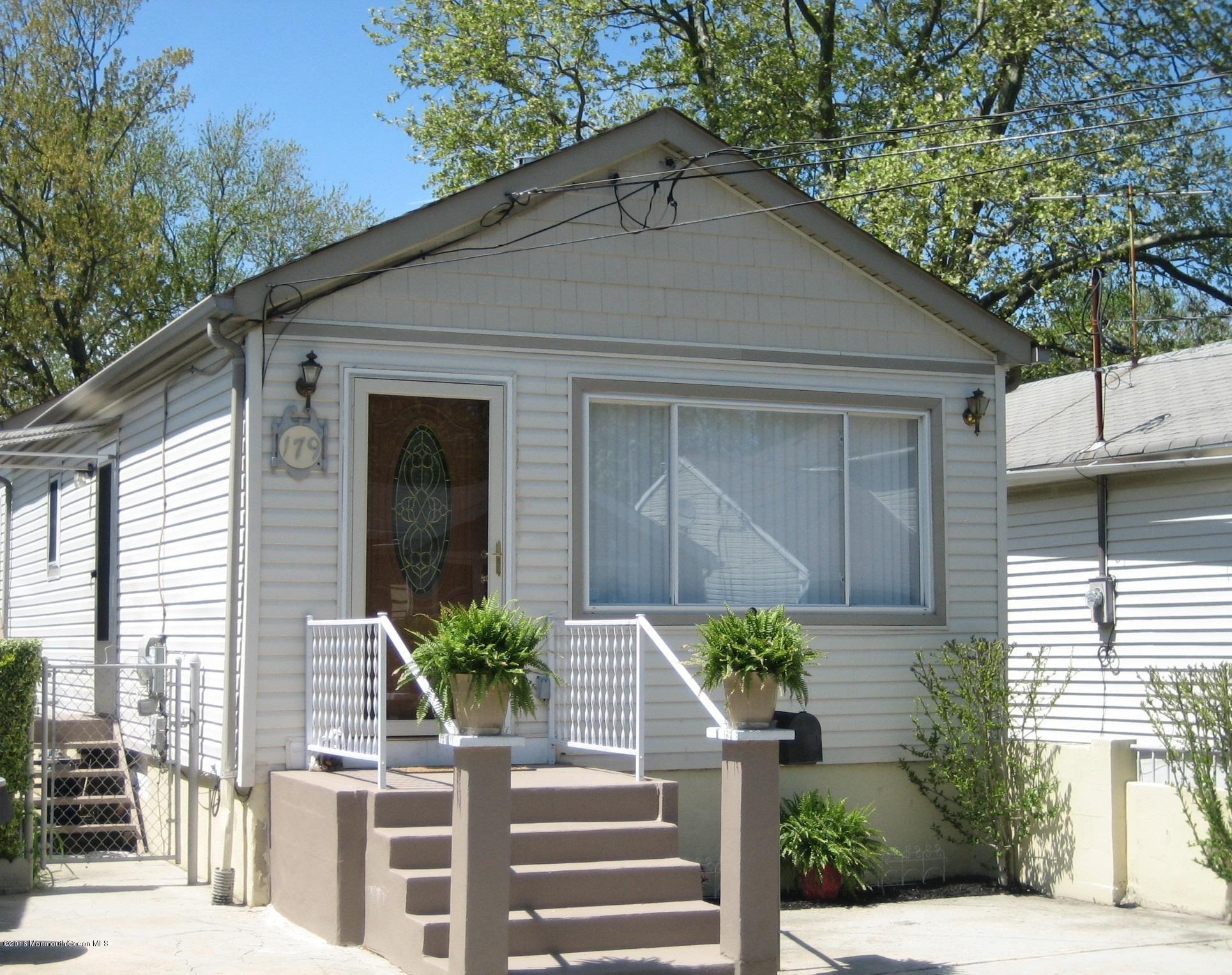 North Middletown Home, NJ Real Estate Listing
