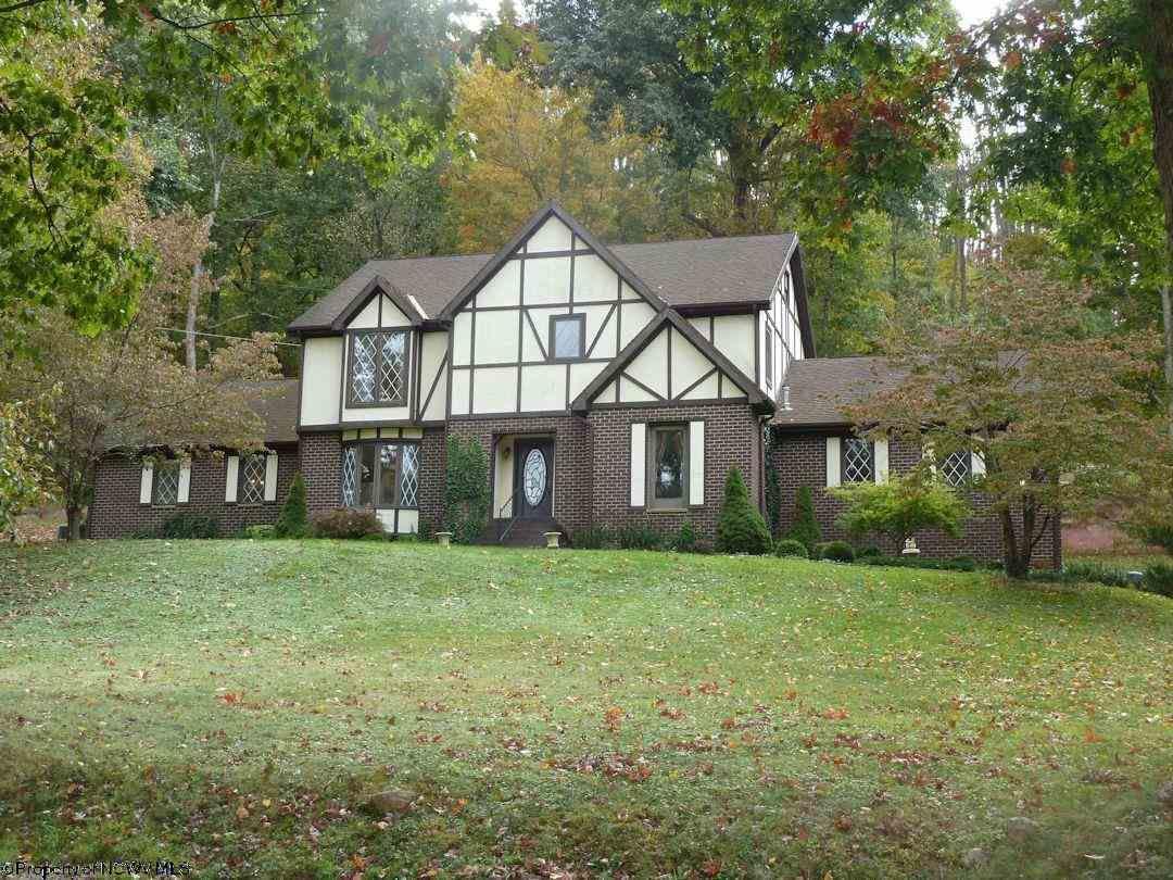 Farmington Home, WV Real Estate Listing
