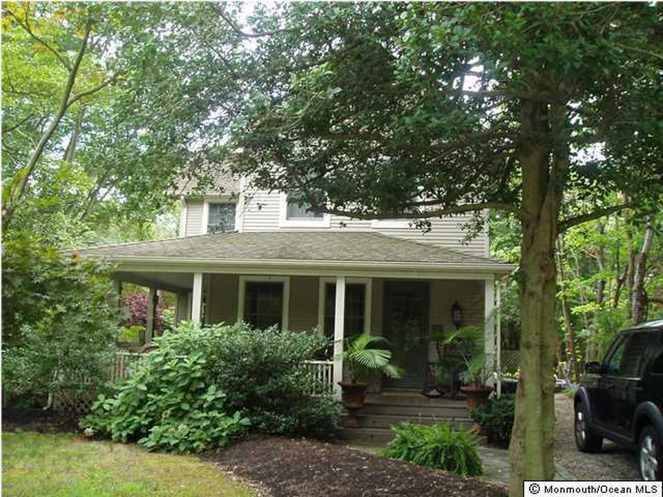 Wall Home, NJ Real Estate Listing